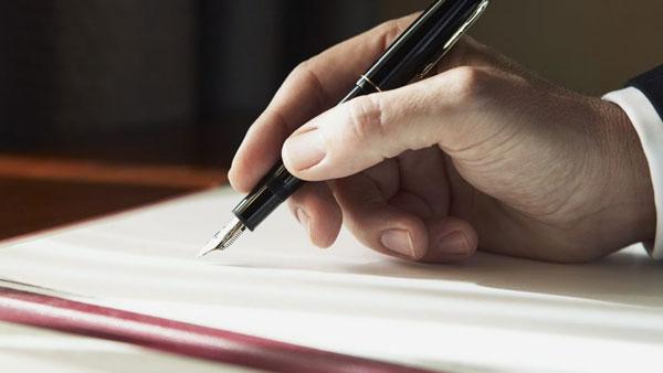 Chuẩn bị văn bản thông báo đến người làm chứng